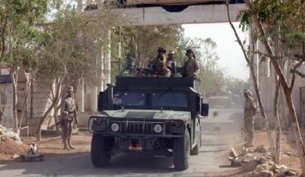 مصدر عسكري بالاولى: من ينادون بتوجه أفرادنا لمأرب يريدون تسليم سيئون للقاعدة